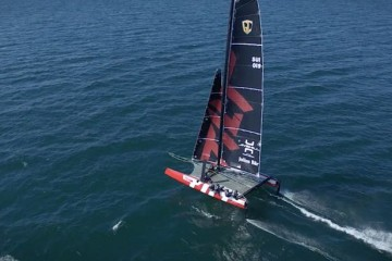GC32 Foiling on Lake Geneva
