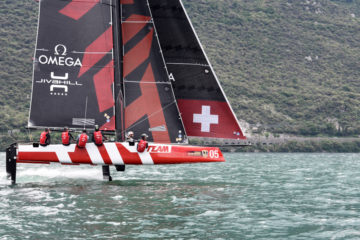 Tricky conditions on day 1 of the GC32 Worlds